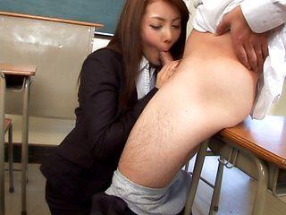 Mei Sawai Asian MILF give a hot blowjob