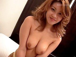 Yuuko Imai Asian babe gives a cute blowjob