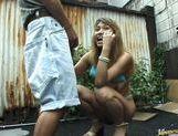 Outdoor slurping on a cock by sexy naked Mai Sakurai