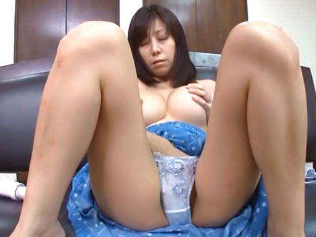 Mature big tits masturbates online Japanese Mature With Big Tits Shows Masturbation Talents At Alljapanesepass Com