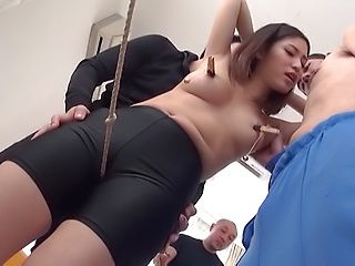 Petite Asian chick Mizushima Anjou enjoys kinky threesome