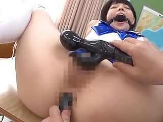 Uehara Ai gets naughty on her toys