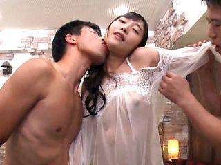 Hoshina Ai is satisfying two guys