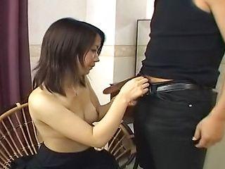 Hottie performs a sensual tit fuck