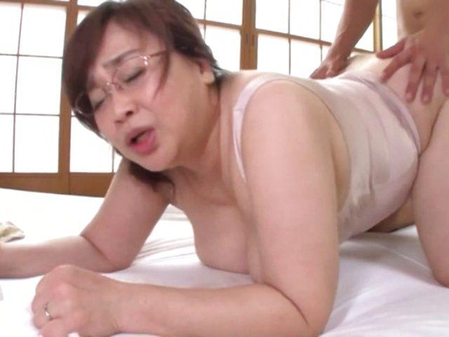 Japanese Milf Mature Mom