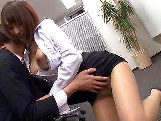 Ayami Shunka enjoys some amazing office sex