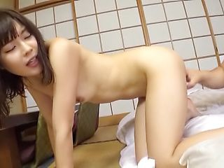 Voluptuous cutie has her shaved pussy pleased