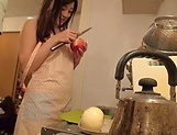 Emiri Suzuhara enjoys flaunting her nice ass picture 11