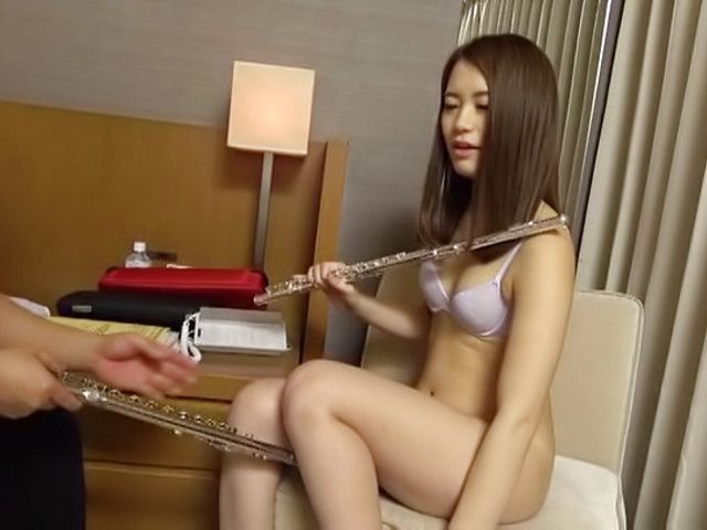 Sexy beauty is about to smash some dick in her pussy